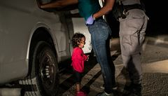 Nejlepší snímky roku: World Press Photo ovládla fotka malé uprchlice