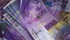 Úplatky soukromým osobám si švýcarské firmy už nebudou moci odečítat z daní