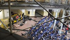 Koncert na mřížemi. Kapela Zrní vystoupila v největší tuzemské věznici Plzeň-Bory