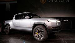 Ford investuje půl miliardy do výrobce elektromobilů Rivian, který je největším rivalem Tesly