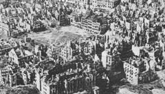 Účet za nacistickou okupaci. Německo dluží Varšavě 850 miliard dolarů, tvrdí polský poslanec