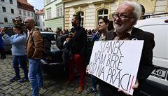 Pokračuje rozruch kolem odvolání Fajta, Rusko oslaví vítězství a Langer bude mít autogramiádu