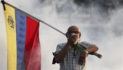 Venezuela slaví Vánoce o měsíc dříve kvůli revoltám. Madurovi ale konec izolace zkomplikovala Bolívie