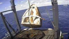 Společnost SpaceX potvrdila zničení lodi Crew Dragon při nezdařeném testu. Příčina nehody není známa