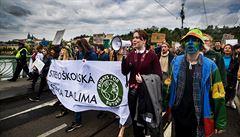 Protest za lepší klima místo školy: žáci absenci omlouvají jako rodinné důvody