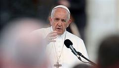 'Do pokušení nás uvádí Satan.' Papež schválil změnu Otčenáše, Česko zatím odolává