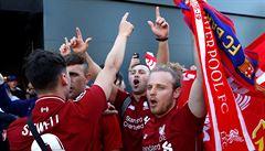 VIDEO: Nechutné. Fandové Liverpoolu před utkáním v Barceloně šikanovali místní i turisty
