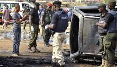 Výbuch cisterny s palivem v Nigeru si vyžádal 55 mrtvých. Lidé si chtěli nabrat vytékající benzin
