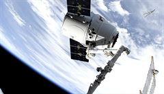Muskův vesmírný kamion dopravil na ISS tuny zásob. Nechybějí tkáňové čipy pro simulaci lidských orgánů