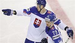 Slováci zdemolovali Brity, Kanada si díky hattricku Stona zajistila čtvrtfinále