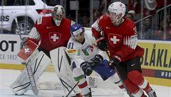 Švýcaři rozstříleli Italy 9:0, Dánové se na výhru s Francií natrápili