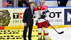 Jágr nabízel svůj hokejový um Říhovi. Když to nevyšlo, podepsal se v kabině na zeď