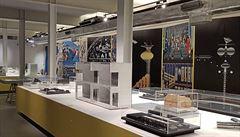 Všechny barvy paní Evy. V DOXu uspořádali sumarizační výstavu architektky Jiřičné