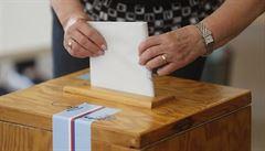 'Hlasování z auta, zvláštní izolované okrsky.' Ministerstvo představilo alternativy pro volby z karantény