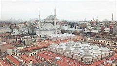 Velký bazar v Istanbulu má novou střechu. Původní poškodil James Bond