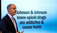 Cena za opiátovou epidemii: firma J&J zaplatí miliardy korun za podíl na 'největší zdravotní katastrofě'