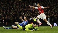 Chelsea se opět vzdálila obhajoba, Čechův tým podlehl Arsenalu