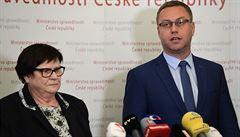 Rychetský se snažil žalobce Zemana přesvědčit, aby ve funkci vydržel. O Benešové 'si myslí své'