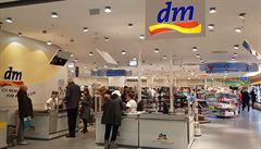 Rodiče propadli levným nákupům v Německu. Zboží hromadně objednávají i přes Facebook