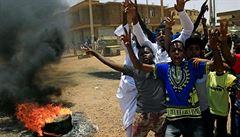 Zapomenutý konflikt v Súdánu pokračuje. Arabští milicionáři na velbloudech vydrancovali vesnici