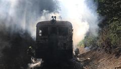 Požár vlaku zastavil provoz na trati v Praze. I přes silný dým se nehoda obešla bez zranění