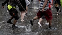 Silný déšť v noci napáchal škody. Rozvodněné řeky stále mohou ohrožovat západ Moravy