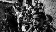 Divoká venezuelsko-kolumbijská hranice: guerrily verbují děti uprchlíků, lákají je na zbraně a motorku