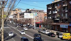 Češku v arménském Jerevanu přepadli falešní taxikáři, vytáhli nůž a ukradli jí batoh