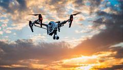 I malé drony pro zábavu dostanou 'espézetku'. Lidé je budou muset hlásit úřadům, přibude také věkové omezení