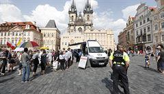 Boj o Mariánský sloup: Váňa na stavbu nemá nárok, uvedl Hřib. Příznivci sloupu jsou stále na náměstí
