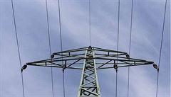 Elektřina zlevní. ČEZ sníží cenu pro domácnosti o zhruba devět procent, lidé ušetří několik stovek korun