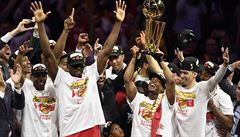 OBRAZEM: Kanadská euforie. Takhle slavili vítězové letošního ročníku NBA