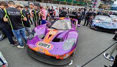 FOTO: Slavný závod 24 hodin Le Mans přilákal masy diváků. Podívejte se na nejlepší snímky