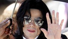 Michael Jackson je znovu nejbohatší nežijící celebritou