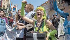 'V září pozveme na stávku proti klimatickým změnám i rodiče.' Studenti ve svých požadavcích přitvrdí