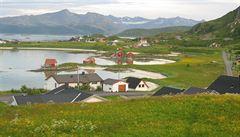 První 'bezčasová zóna' na světě? Norský ostrov, nad kterým v létě nezapadá slunce, chce zrušit měření času