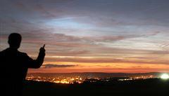 Lidé v noci pozorovali vzácný úkaz. 'Svítící oblaka' zářila nezvykle intenzivně, tvrdí čeští vědci
