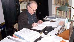 Cenu Francouzské akademie získal básník Petr Král. Má i českou státní cenu