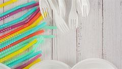 Konec plastového nádobí? V Polsku můžete sníst oběd i s talířem