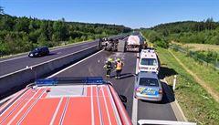 D6 u Hostivice uzavřela nehoda tří aut. Zranilo se sedm lidí