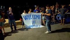 Migranti směli na Lampeduse vystoupit z lodi Alex. Druhé plavidlo přijala Malta, uprchlíky pošle do zemí EU