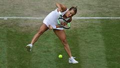 Finále čtyřhry žen bylo odloženo, Strýcová si o první grandslamový titul zahraje v neděli