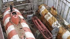 V hořící ponorce byl jaderný reaktor. Požár vypukl v akumulátorové sekci, řekl ruský ministr obrany