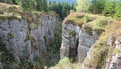 Co je také nově v UNESCO? Hluboké rokle v Krušných horách vypadají jako dílo přírody, jsou to ale staré zřícené doly