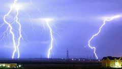 Červencové bouře způsobily škody téměř za miliardu. Problémem byly padající větve i kroupy