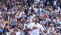 Finálové drama Wimbledonu pro Djokoviče. Federer nevyužil mečboly a po pěti hodinách padl