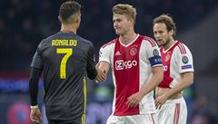 Mladíček De Ligt bude spoluhráčem Ronalda. A stal se nejdražším bekem Serie A