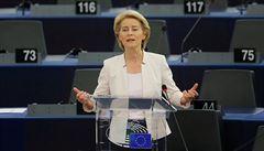 Chci nový evropský klimatický zákon, řekla europoslancům kandidátka na šéfku Komise von der Leyenová