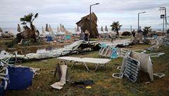 NOMÁDI: Bouře na Chalkidiki naživo. Češka v dodávce sledovala, jak se pláž změnila v životu nebezpečnou past