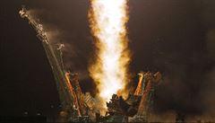 Z Bajkonuru odstartovala raketa s třemi kosmonauty. Doplní tým na ISS